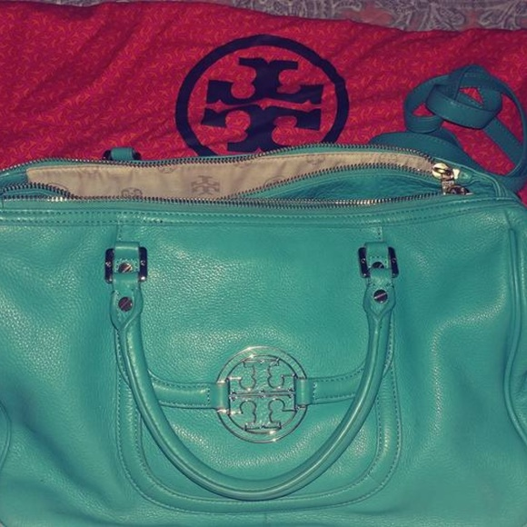 Tory Burch Handbags - Tory Burch Amanda Tote